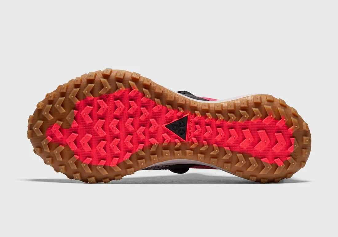 "Nike ACG Mountain Fly Low ""Flash Crimson"""