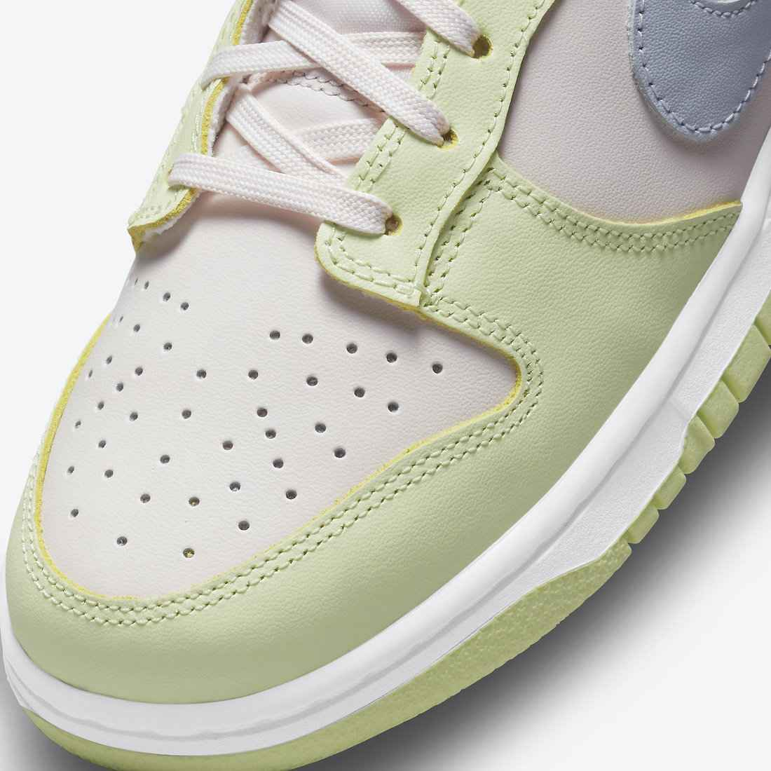 "Nike Dunk Low ""Light Soft Pink"""