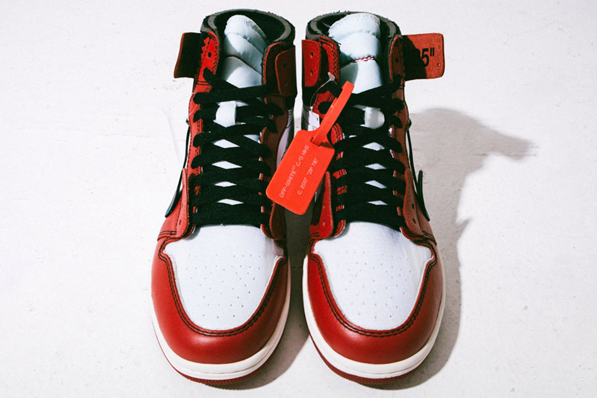 OFF-WHITE x Air Jordan 1 Retro High OG 10X