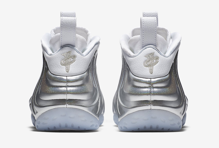 "Nike WMNS Air Foamposite One ""Chrome"""